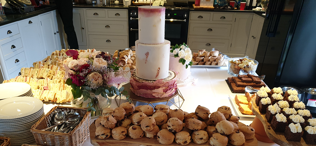 https://southcotteventscatering.co.uk/wp-content/uploads/2019/10/cakes.png